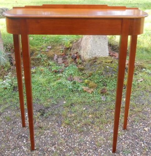 Small Mahogany Console Table by South Devon Furniture Ltd